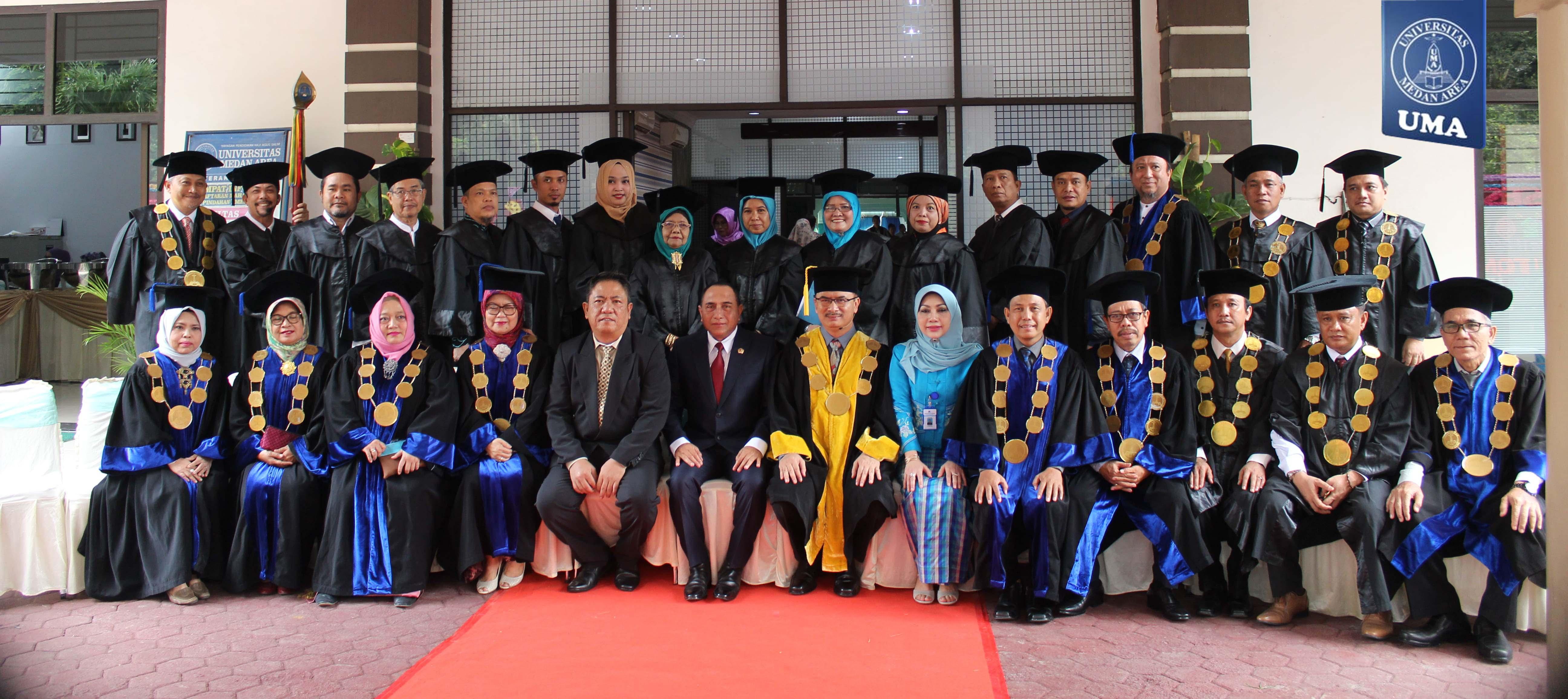 Universitas Medan Area Gelar Upacara Wisuda sarjana dan pascasarjana Periode II Tahun 2018