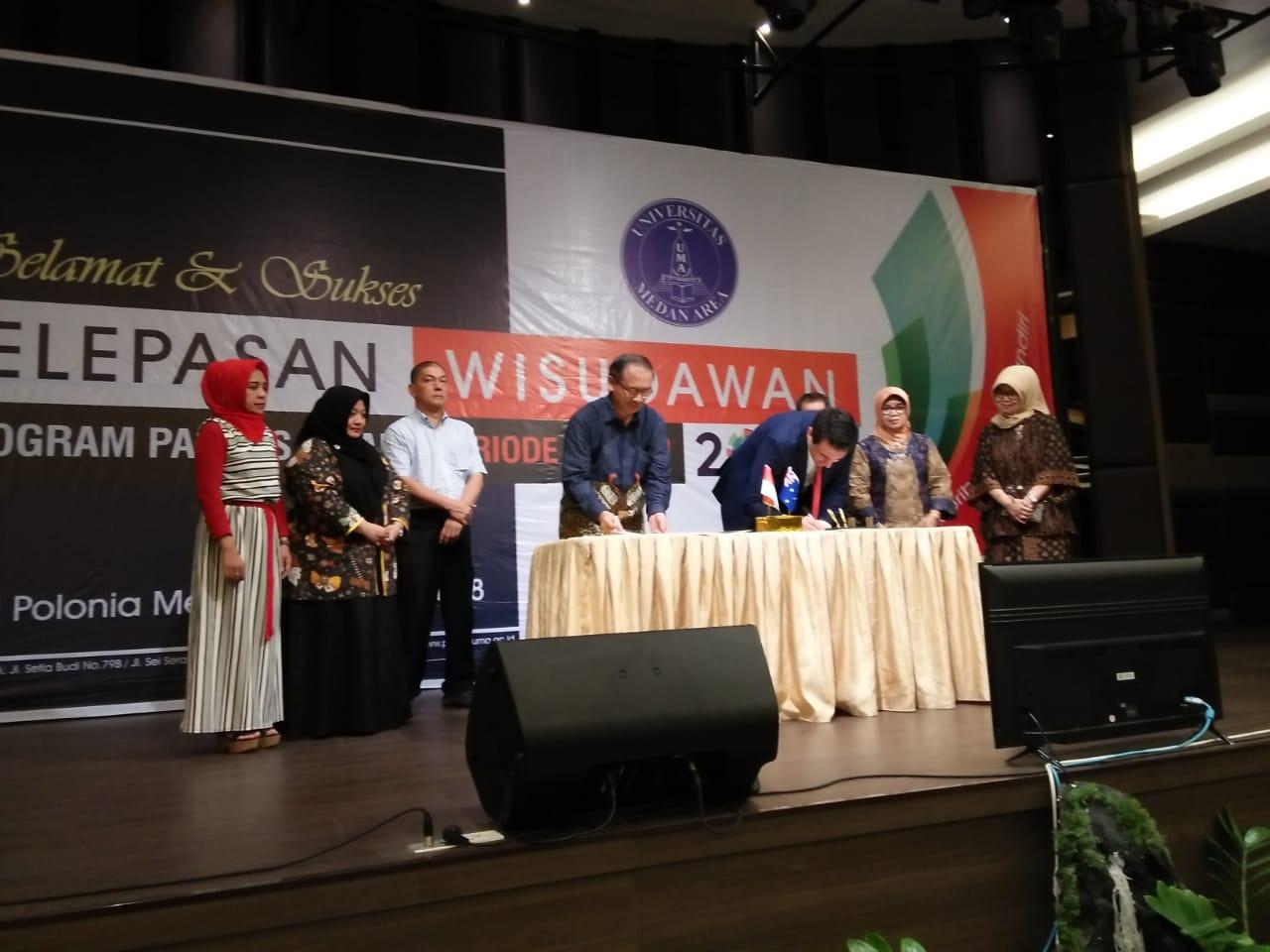 Wisuda Universitas Medan Area Periode I Tahun 2018 Dibarengi MOU Dengan Australia