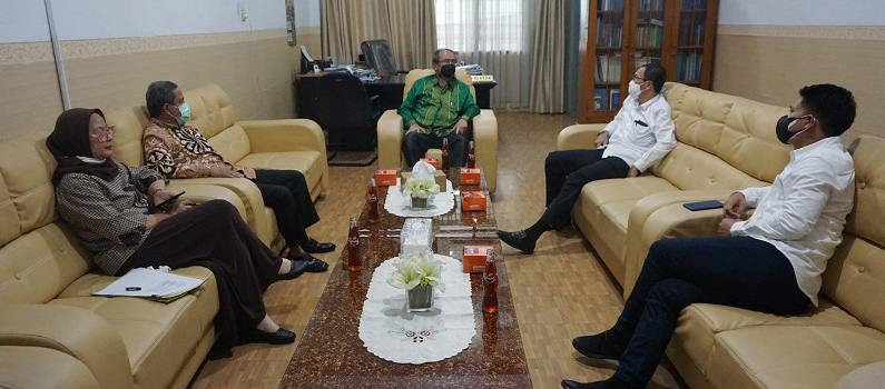 kunjungan-prof-dr-ibnu-hajar-m-si-kepala-lldikti-wilayah-1-sumatera-utara-ke-universitas-medan-area.JPG
