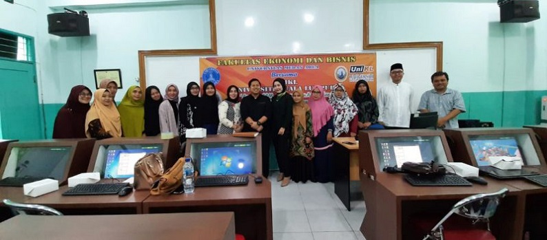 lecturer-training-for-the-faculty-of-economic-and-business-for-sem-analysis-using-amos-and-increasing-hi-index.jpg