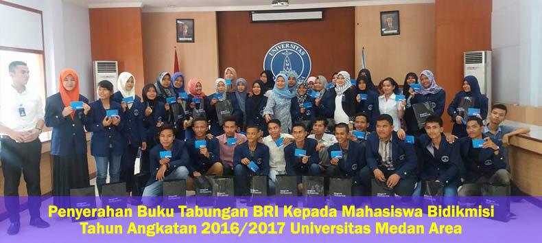 penyerahan-buku-tabungan_mahasiswa_UMA.jpg