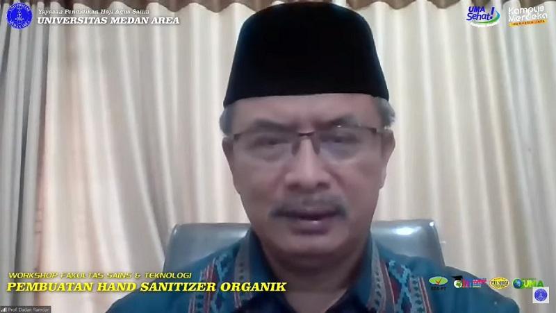 sambutan-rektor-uma-workshop-pembuatan-hand-sanitizer-organik.jpg
