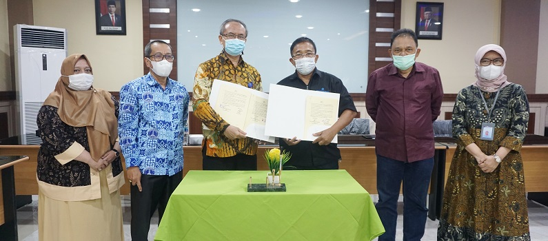 signing-of-collaboration-between-medan-area-university-and-hr-community.JPG