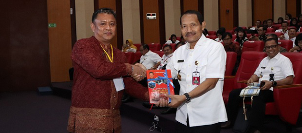 unhan-gelar-seminar-nasional-dan-call-for-papers-2019-diikuti-dekan-hukum-uma1.jpg
